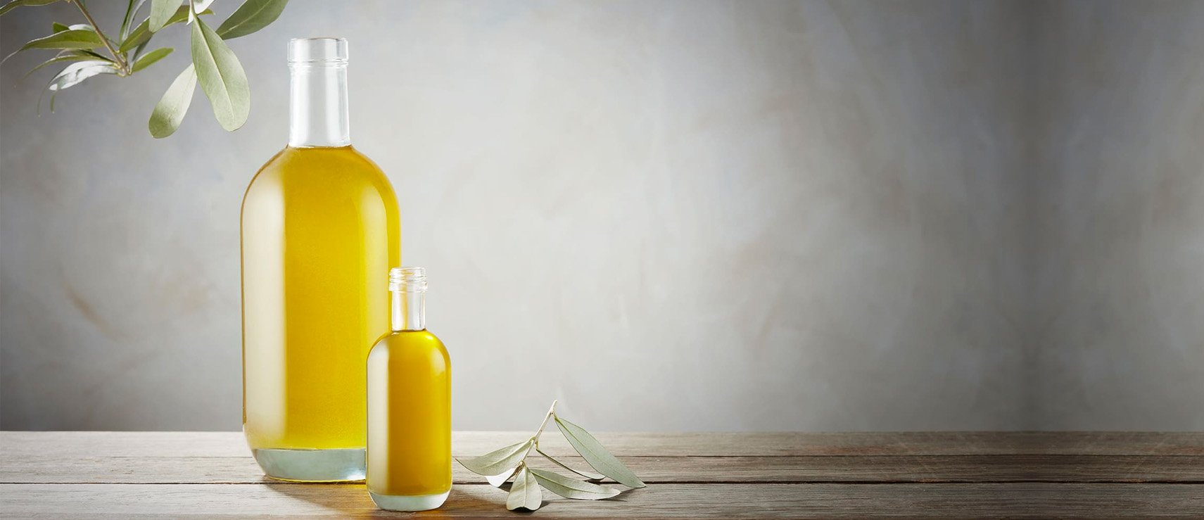 Luxury glass bottles for oils and non alcoholic drinks by Selective Line